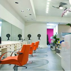 """<span class=""""credit""""><em>Image via <a href=""""http://www.bubblepopelectricsalon.com"""">Bubble Pop Electric Salon</a>. </em></a></span> The name may have changed from Salon Yuni to the more effervescent <a href=""""http://www.bubblepopelectricsalon.com"""">Bubble P"""