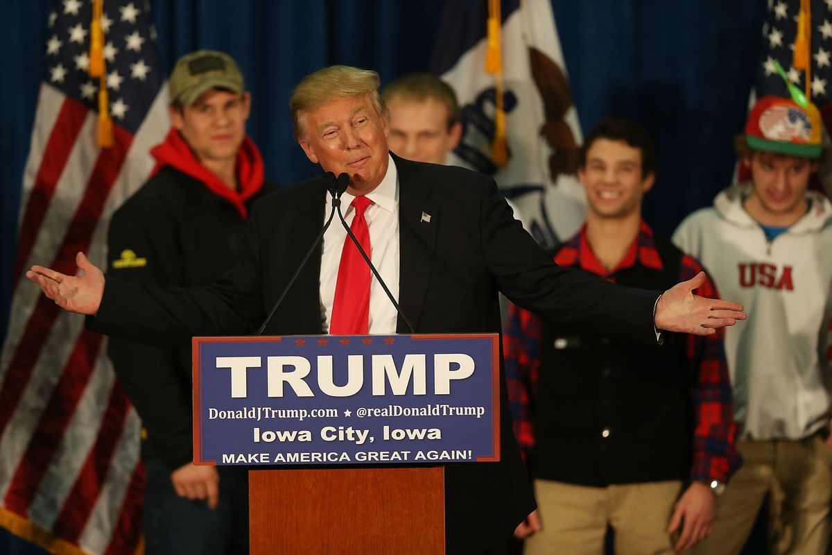 Donald Trump announces plans for an alternative event at the same time as the GOP debate Thursday.