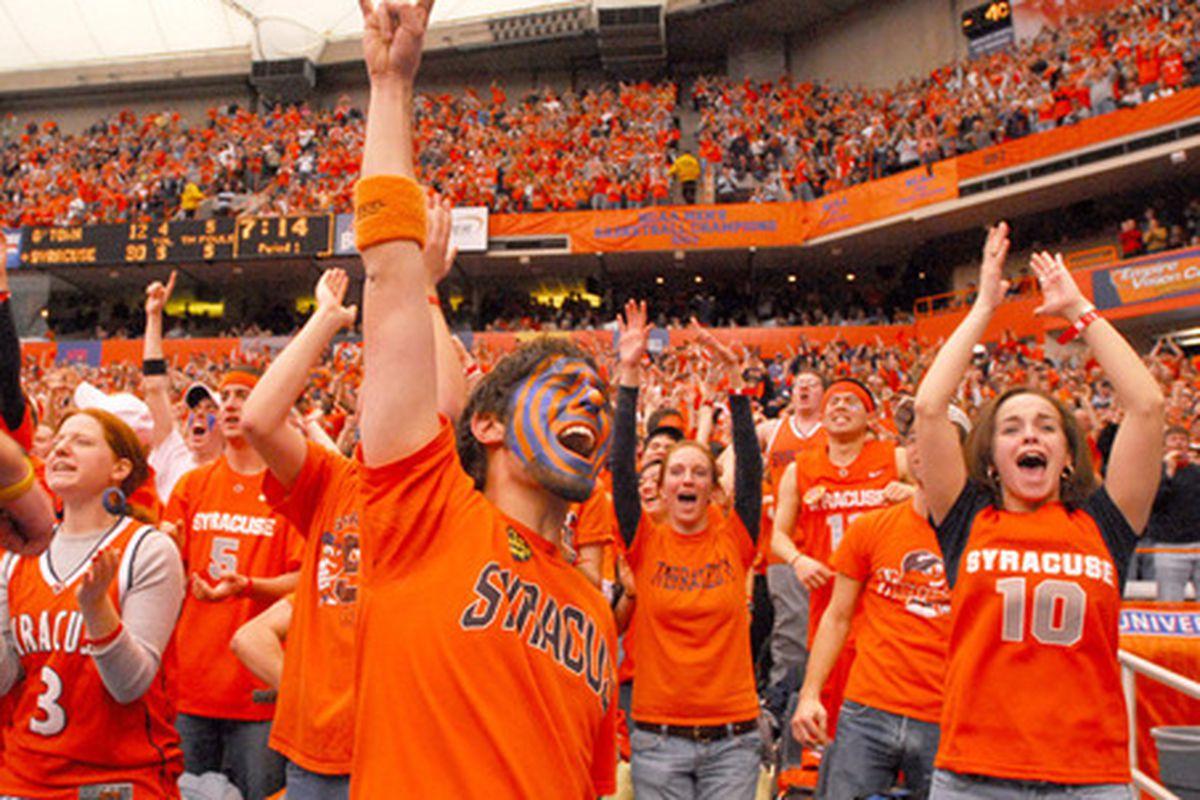 "via <a href=""http://blog.syracuse.com/orangebasketball/2008/02/large_021308SUgtown7.jpg"">blog.syracuse.com</a>"