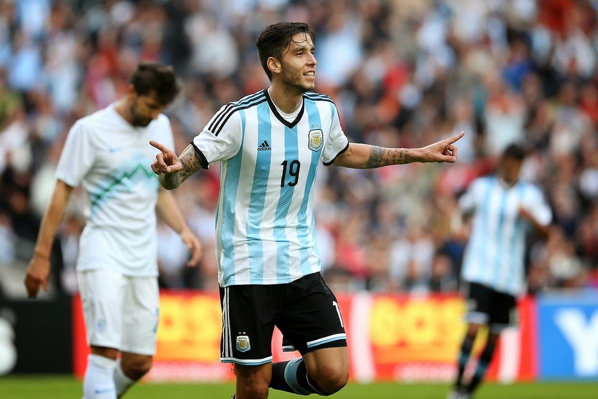 Ricky Alvarez in action for Argentina