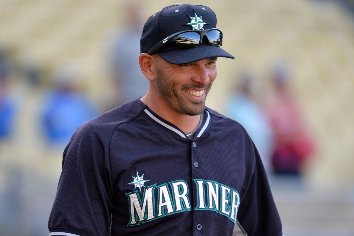 chris woodward reportedly  join dodgers coaching staff