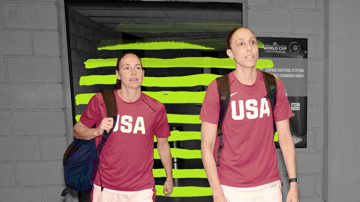 Diana Taurasi and Sue Bird in their USA warmups.