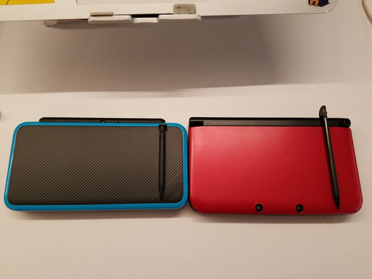 The nintendo 2ds xl s biggest flaw s a not so big stylus for Housse new 2ds xl