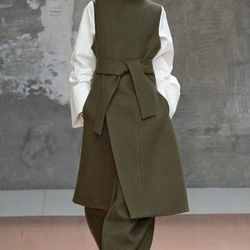 """There were also silhouettes to compound the impression of a Marni woman who was almost aggressively confident—less quirk, more guts. More everything, in fact, than usual.—Tim Blanks, <a href=""""http://www.style.com/fashionshows/review/F2014RTW-MARNI/"""">Style"""