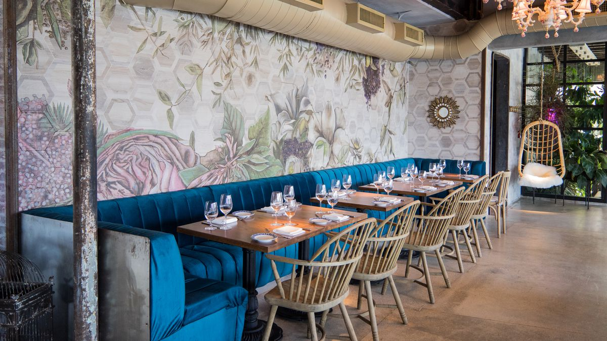 Inside Kiki On The River Miami S Whimsical New Greek