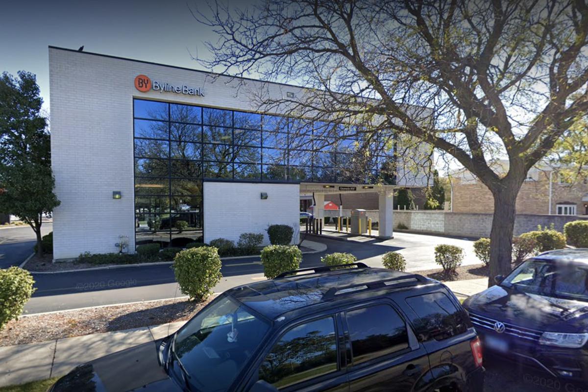 Byline Bank, 3245 Lake Ave.