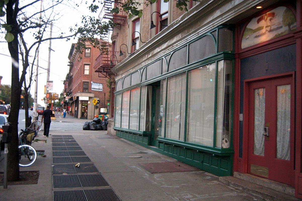 """The Greenlight storefront in August via the store's <a href=""""http://abookstoreinbrooklyn.blogspot.com/2009/08/greenlight-blowing-up.html"""">blog</a>"""