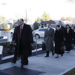 President Thomas S. Monson arrives for the rededication, accompanied by other Church leaders and their wives.