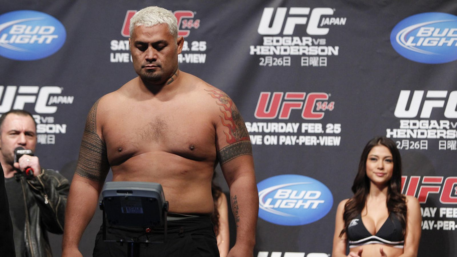 UFC Fight Night 33 weigh-in results, LIVE online video stream for 'Hunt vs. Bigfoot' from Brisbane