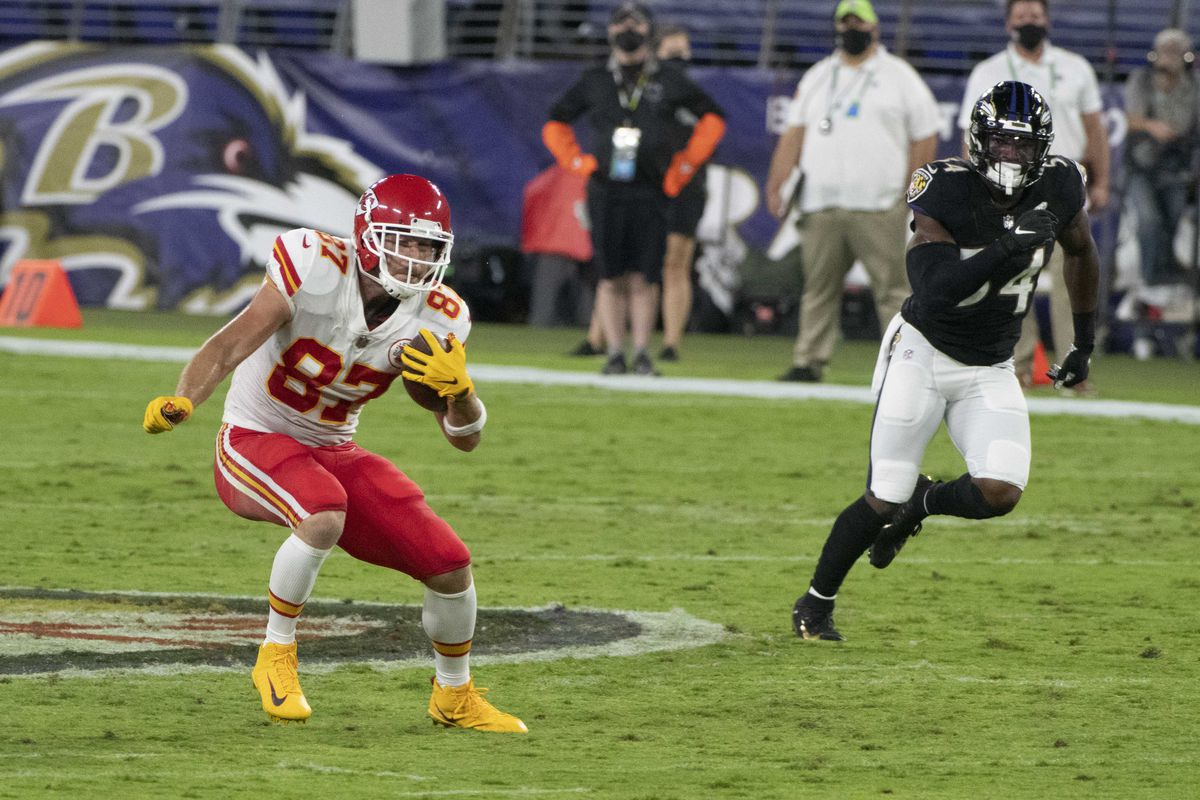 Kansas City Chiefs tight end Travis Kelce runs after the catch during the first quarter against the Baltimore Ravens at M&T Bank Stadium.