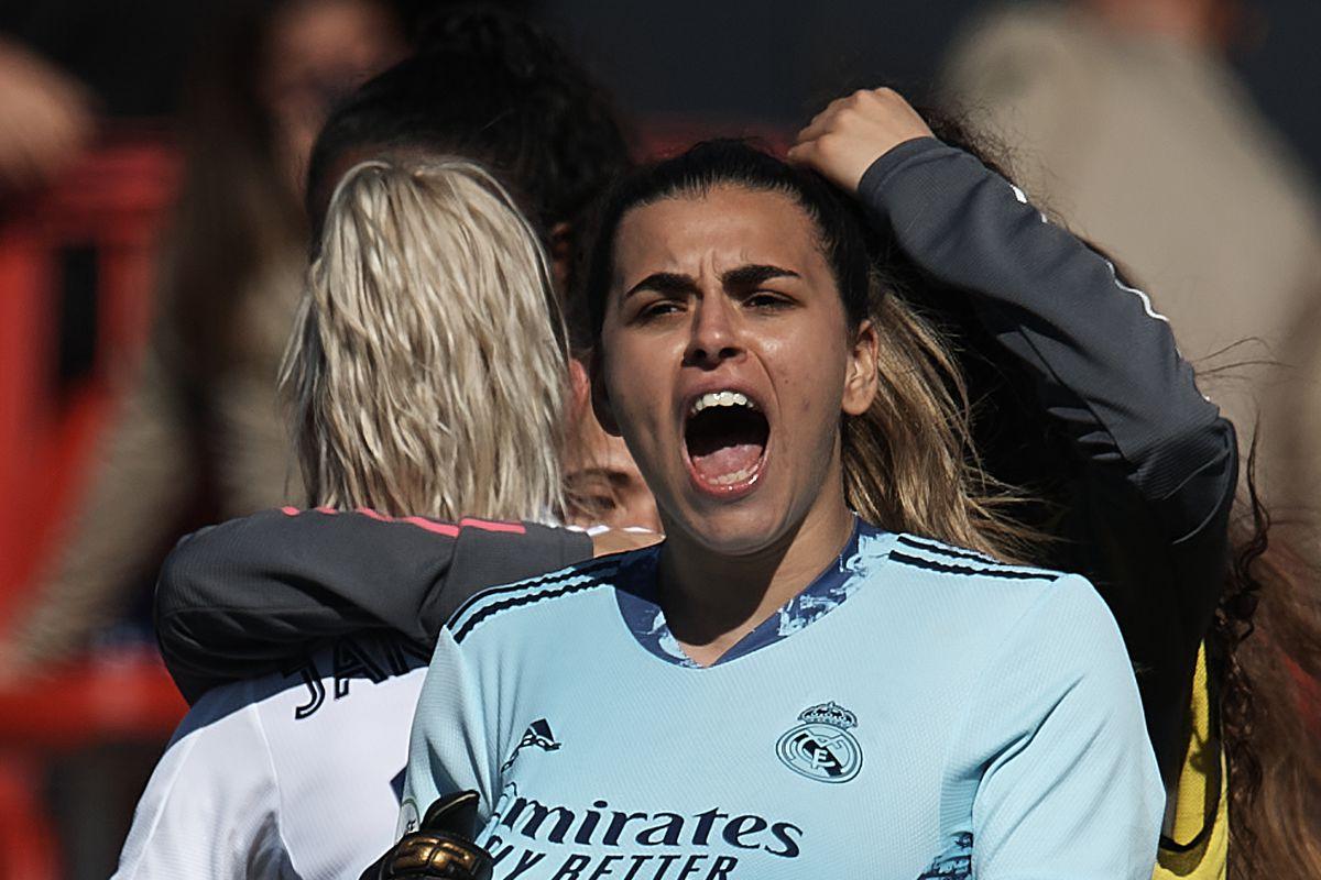 Atletico de Madrid v Real Madrid - Primera Iberdrola