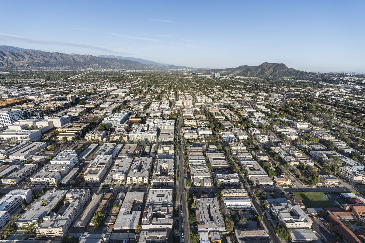 los angeles apartment rental prices up but not by much curbed la. Black Bedroom Furniture Sets. Home Design Ideas