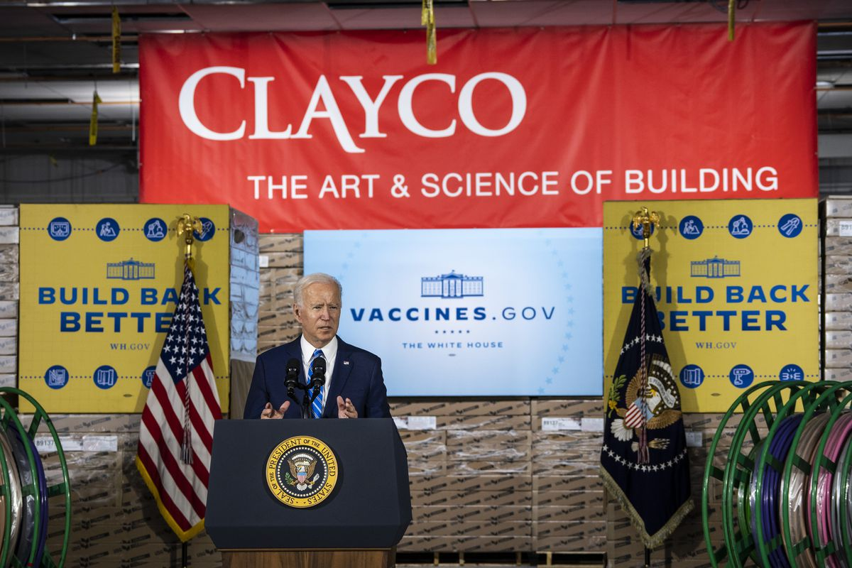 President Joe Biden discusses COVID-19 vaccine requirements during a speech at a Clayco construction site in Elk Grove Village, Thursday afternoon, Oct. 7, 2021.