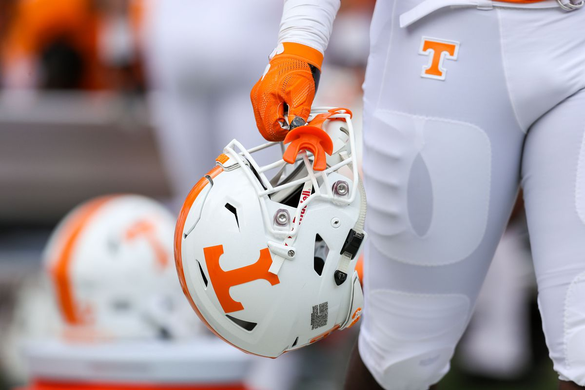 Tennessee Vols offer 2020 pass rusher who put up 15 sacks last season
