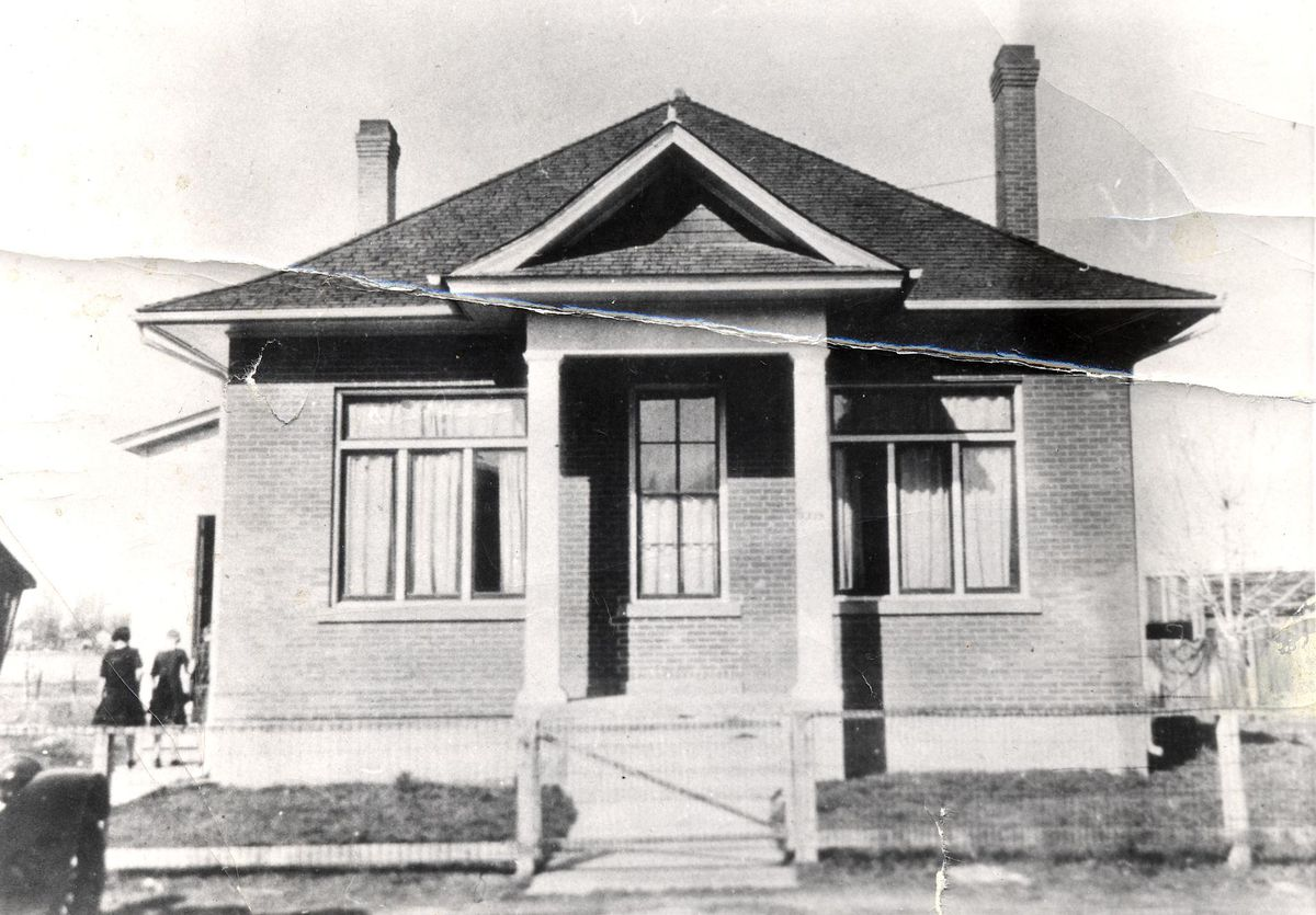 The first free-time seminar class was held in the Granite High Seminary building in 1912.