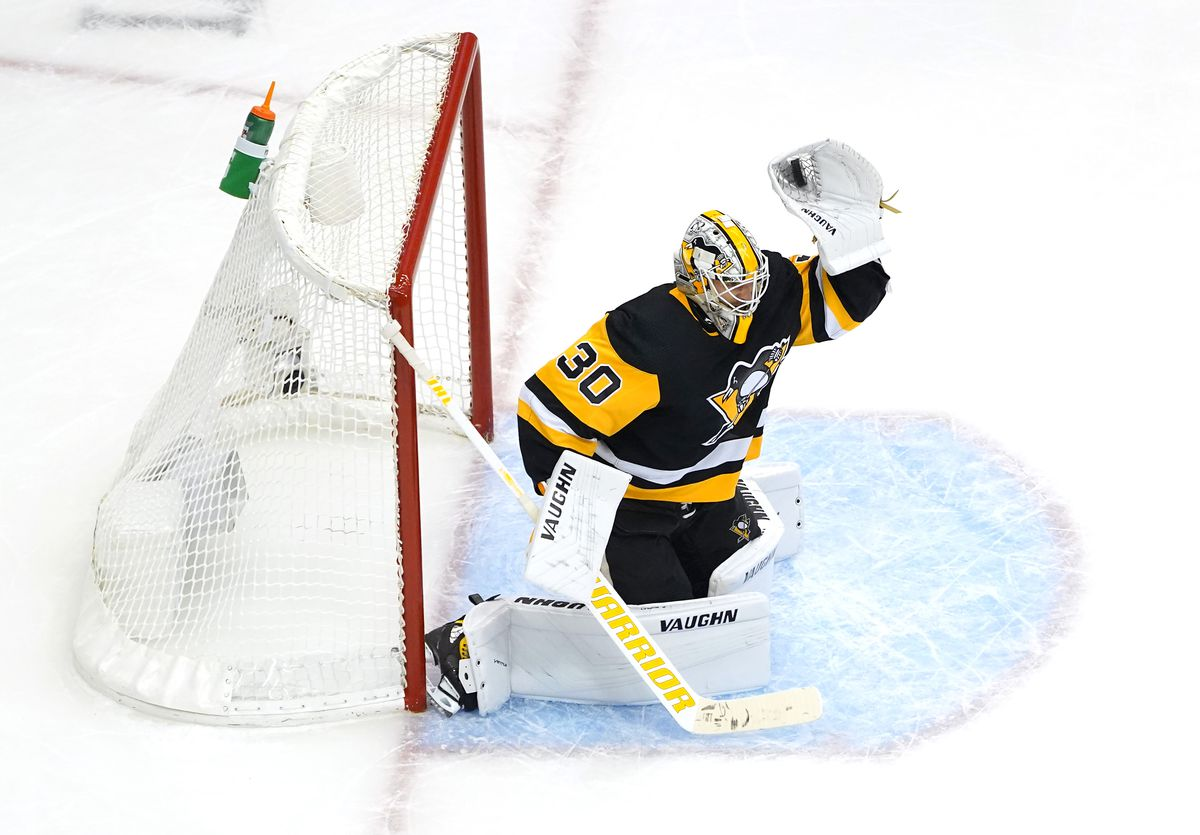 NHL: Eastern Conference Qualifications-Pittsburgh Penguins vs Montreal Canadiens