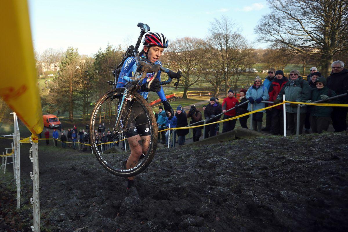 Helen Wyman, racing to win the 2014 British Cyclocross Championships