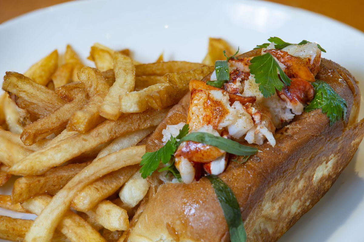 The lobster roll appears on the sandwich section