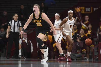Minnesota Gophers lose a close one at home to Iowa
