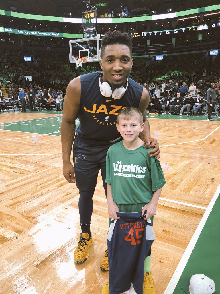 size 40 8ed99 d5c80 Donovan Mitchell spots fan wearing his high school jersey ...