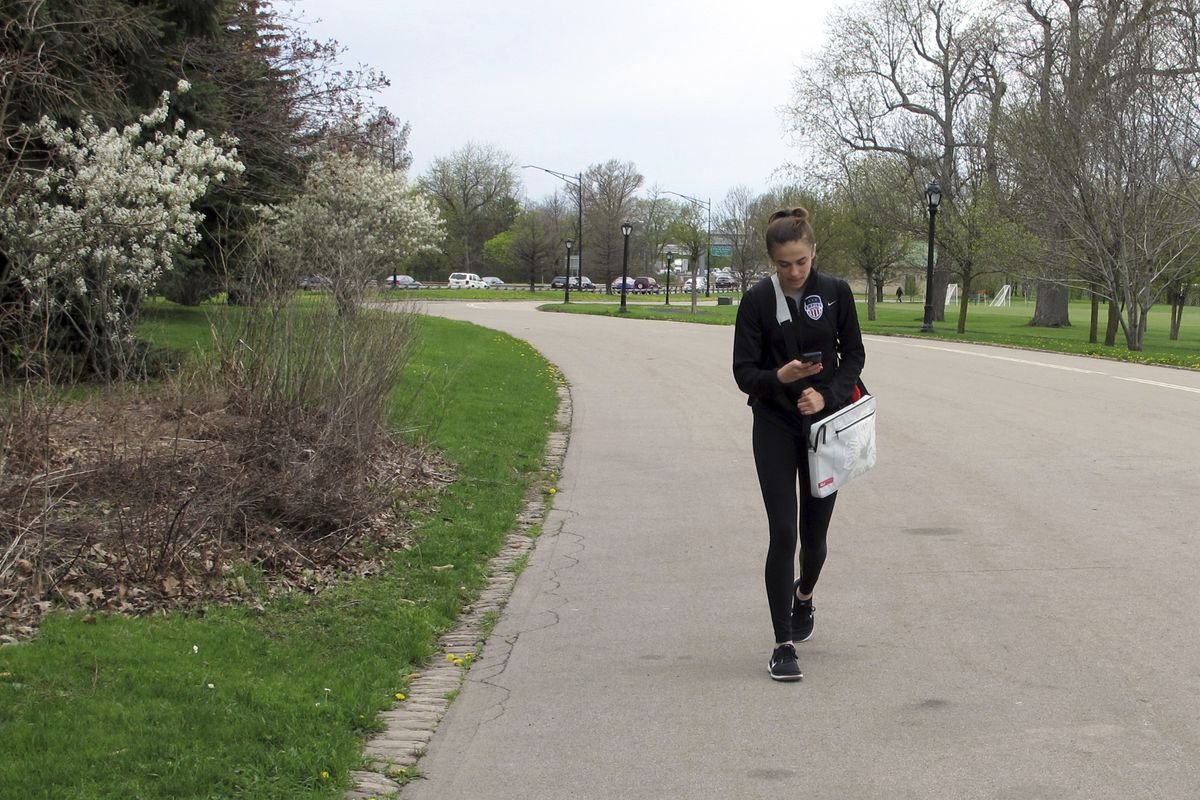 Students facing new avenue of social stress: cell phones and social media