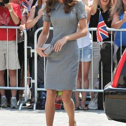 Day three of the Canadian tour, July 2nd, 2011, sees Kate in a Catherine Walker dress and Tabitha Simmons pumps.