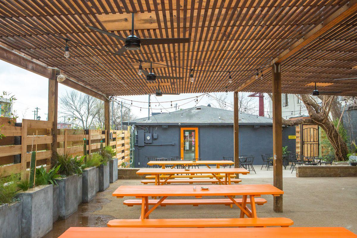 LoLo's patio