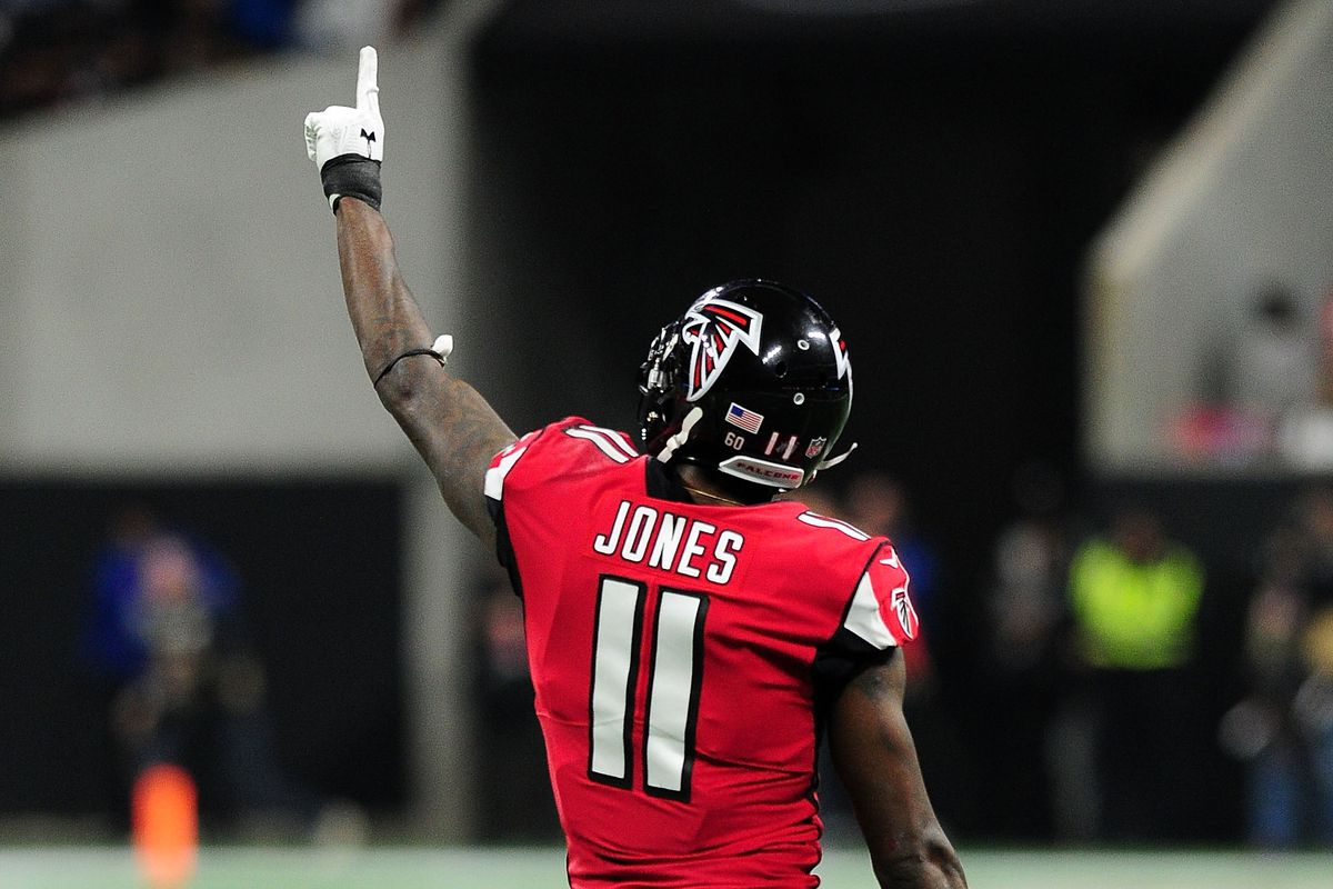 "<p zoompage-fontsize=""15"">Carolina Panthers v Atlanta Falcons"