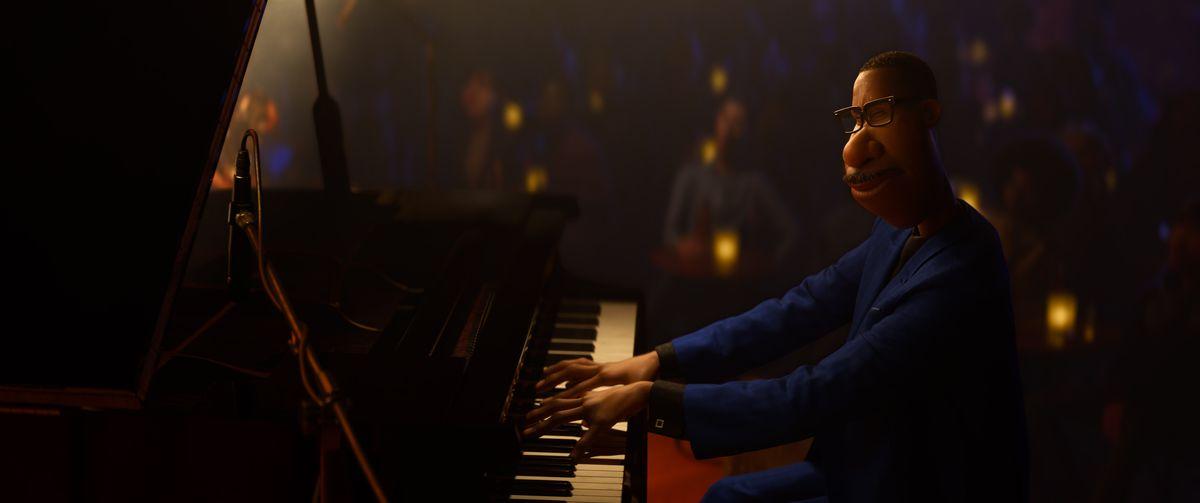 joe gardner playing the piano in pixar's soul
