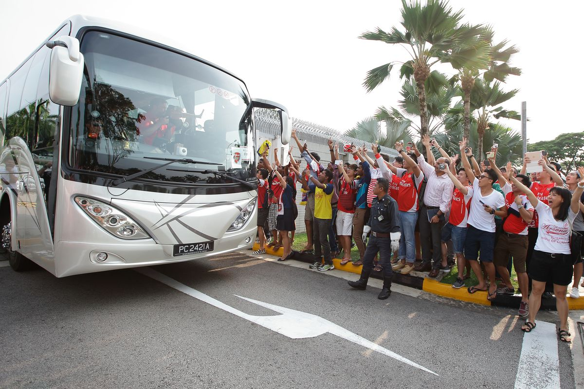 Barclays Asia Trophy Arsenal & Everton Arrive In Singapore