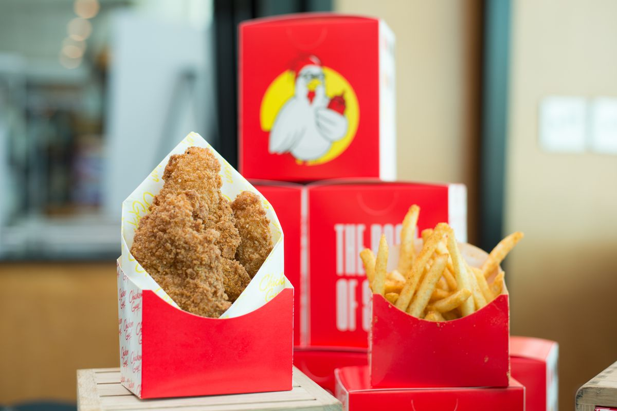 Chicken tenders and fries from Guy Fieri's Chicken Guy! are coming to FedEx Field this season.