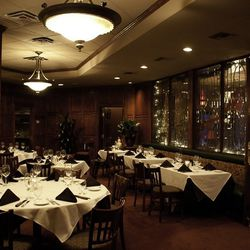 The dining room at Kelly's Prime Steak & Seafood.