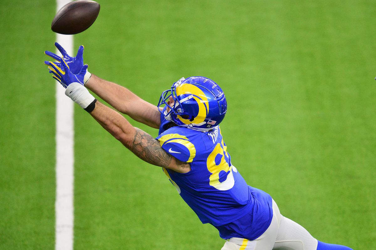 Los Angeles Rams tight end Tyler Higbee (89) misses catching a pass against the Seattle Seahawks during the second half at SoFi Stadium.