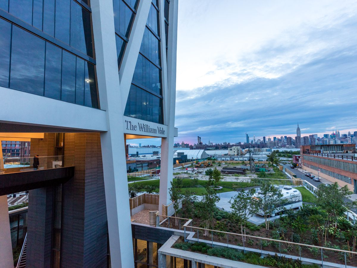 The best rooftop bars—with views—at New York City hotels