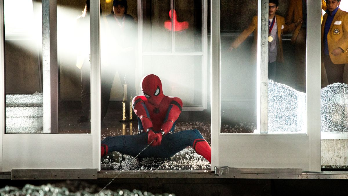 Spider-Man: Homecoming - Spidey tries to stop an elevator from falling