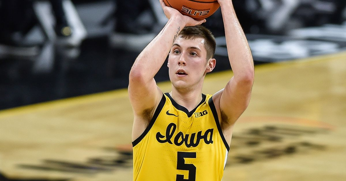 Iowa Basketball: Hawkeyes Back in Top-5 After Win at Ohio State - Black Heart Gold Pants
