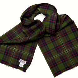 """From American Trench, this <a href=""""http://www.americantrench.com/shop/scarves/wool-cotton-scarf-phila-made/"""">wool and cotton scarf</a> ($72) is gorgeous. Made in America and designed in Philadelphia, it'll will keep you warm while making you feel good fo"""