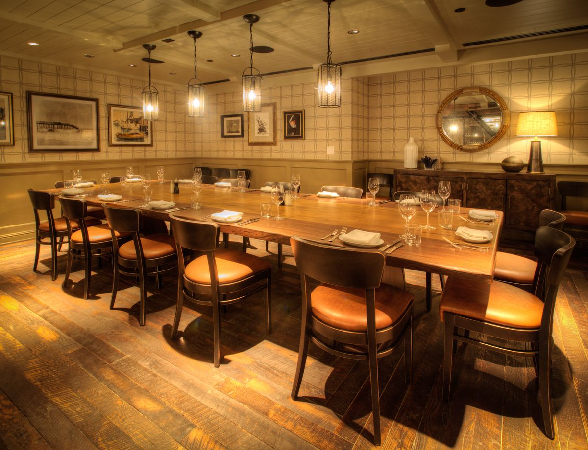 The private dining room at Water Grill