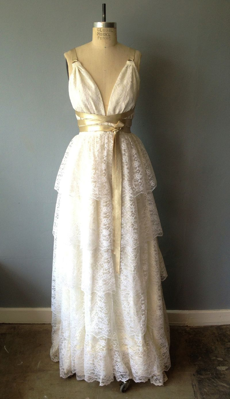What to know before you shop for a vintage wedding dress racked ny she adds kate middletons dress thats a classic 50s bridal dress i have dresses that look like that and i sell them for around 200 to 398 ombrellifo Choice Image