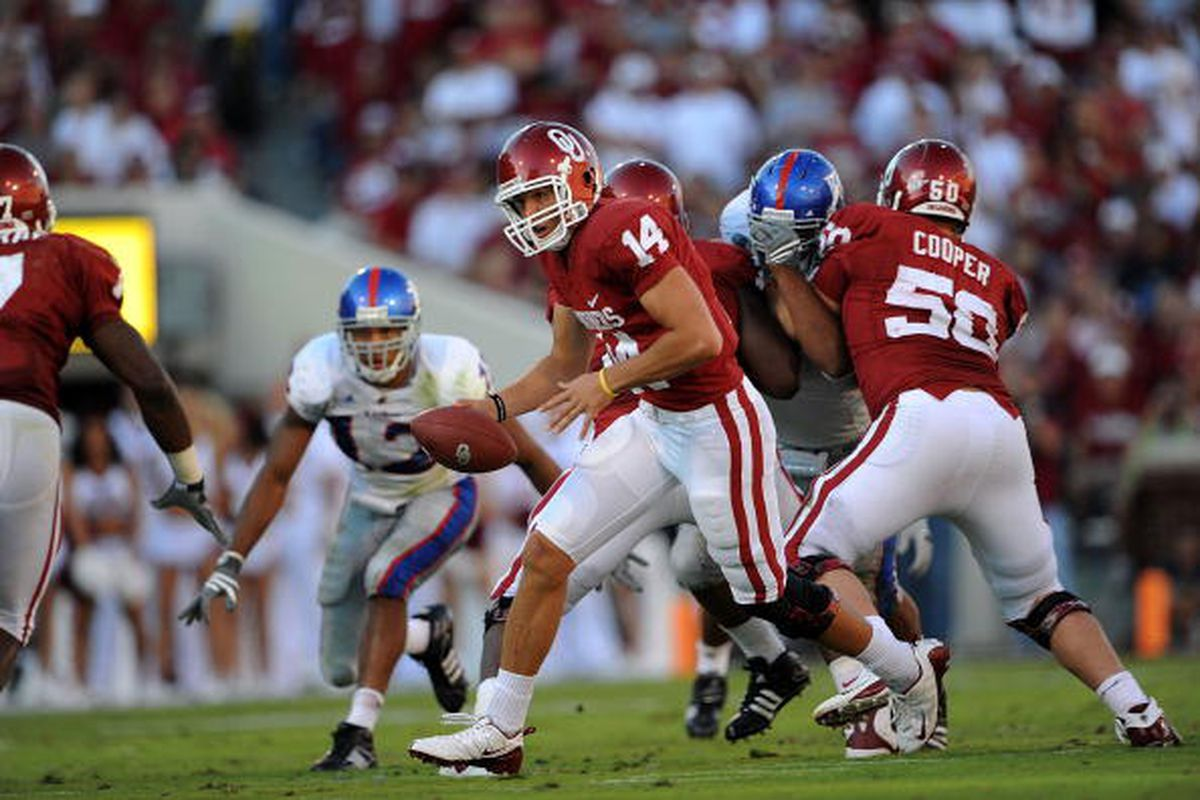NORMAN, OK - OCTOBER 18: Quarterback Sam Bradford #14 of the Oklahoma Sooners during play against the Kansas Jayhawks at Memorial Stadium on October 18, 2008 in Norman, Oklahoma. (Photo by Ronald Martinez/Getty Images)