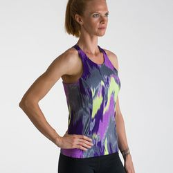 """Jacqueline says: """"I love going to <a href=""""www.shorefitmb.com/"""">Shore Fit</a> in Manhattan Beach (1012 Manhattan Ave) for my fitness apparel kick! They have great fitting yoga gear. A healthy lifestyle is very much part of the LA archetype; besides, who"""