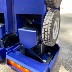 The ankle provides the clearest views of one of the 27 servo motors that power Optimus.