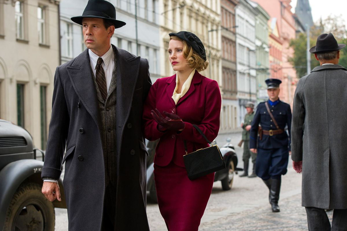 Jan Heldenbergh and Jessica Chastain in The Zookeeper's Wife