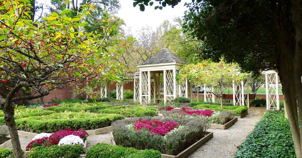 Secret gardens, parks, and green spaces in Philadelphia