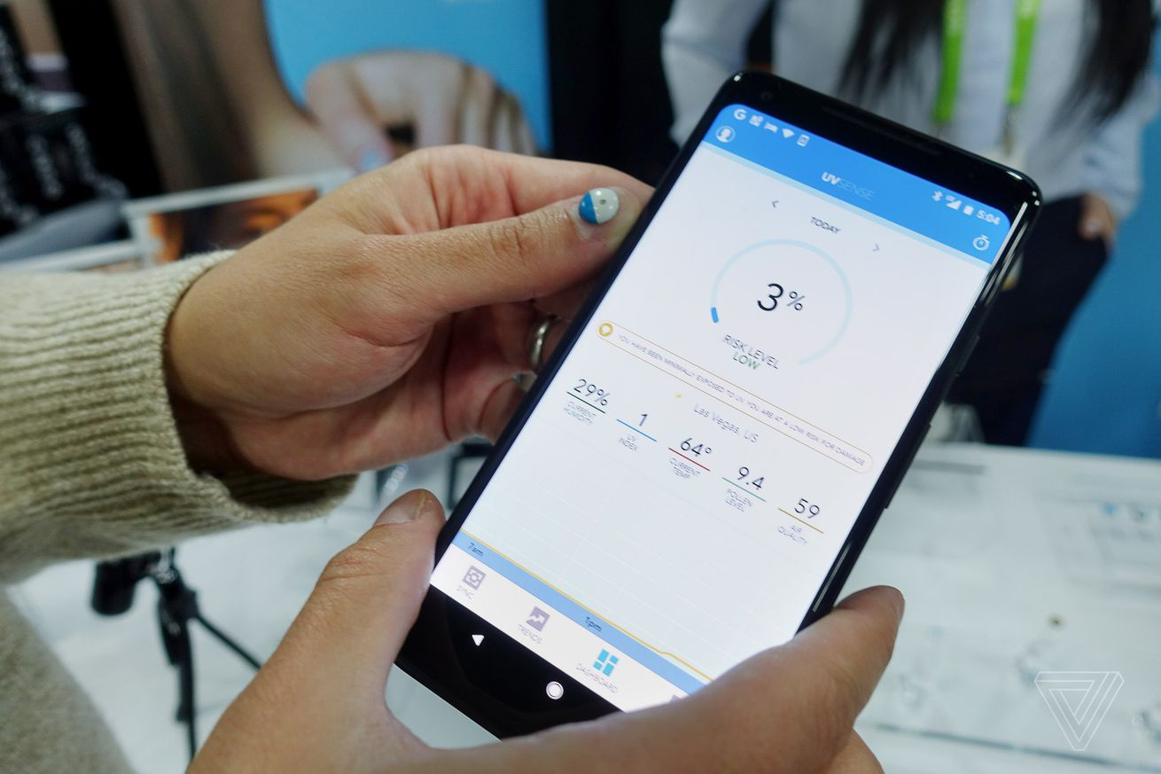 l oreal s uv sensor sticks to your fingernail