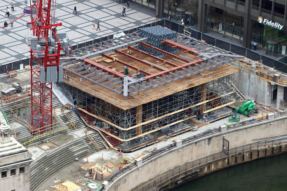 How Apple transformed Chicago\'s Pioneer Court - Curbed Chicago