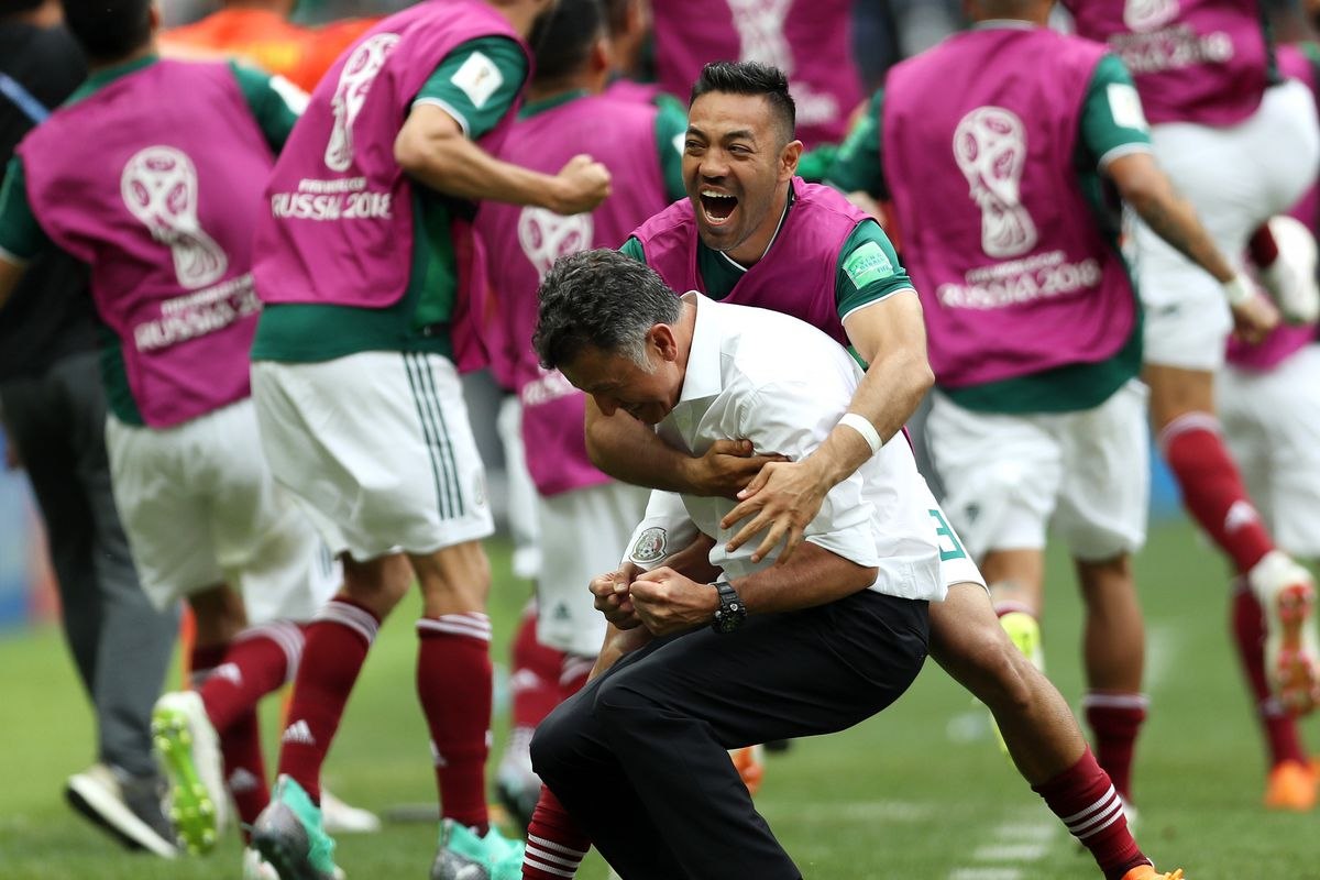 huge discount 31f0c 39326 Hirving Lozano goal makes Mexico coach so overwhelmed he had ...