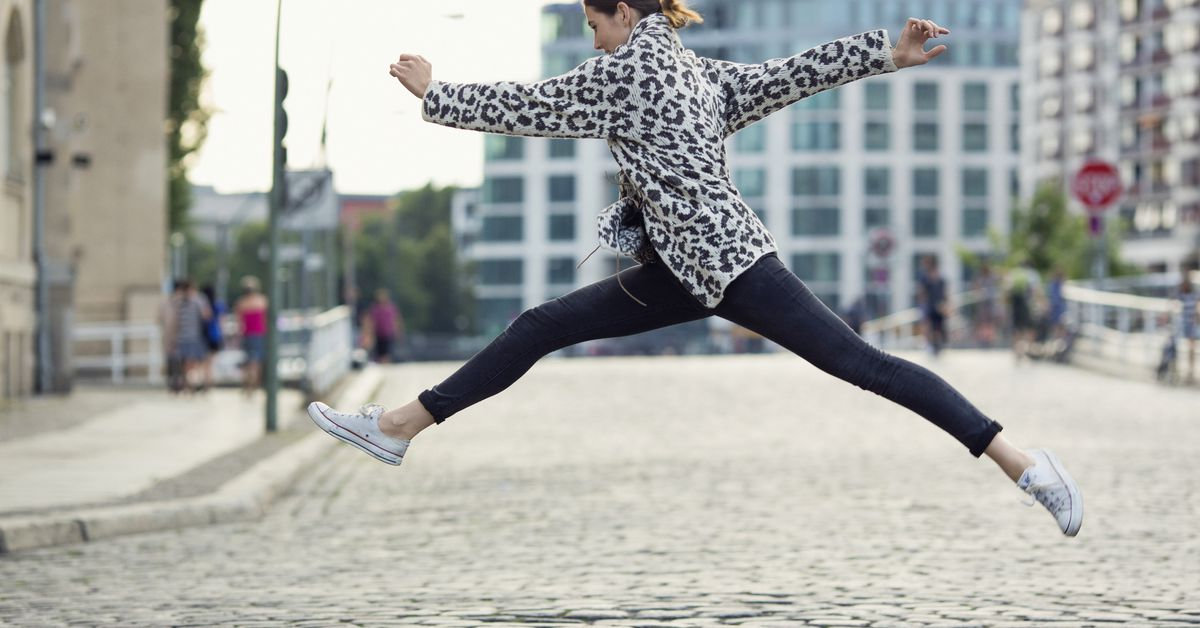A decade of leggings controversy, explained - Vox