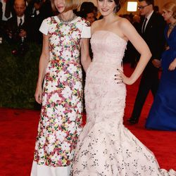 Anna Wintour in an embroidered gown from Chanel's SS13 Haute Couture collection, with daughter Bee Shaffer in Christian Dior haute couture