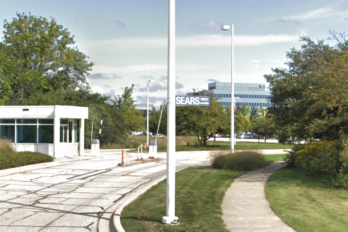 Sears is laying off hundreds of it employees at its Hoffman Estates headquarters at 3333 Beverly Rd.